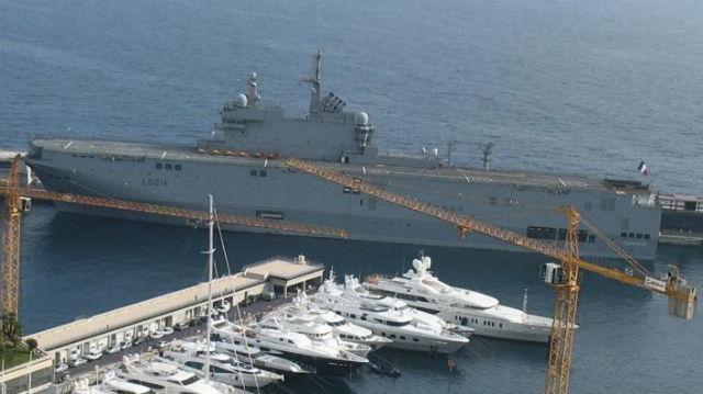Le L 9014 au port Hercule à Monaco. Photo (c) Amaury van Hoorebeke