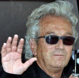 Luc Plamondon au festival de Cannes 2012. Photo (c) Georges Biard. Cliquez sur l'image pour accéder aux oeuvres de l'artiste sur amazon.