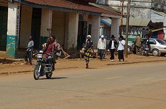 La rue principale à Beni. Photo (c) Razdagger