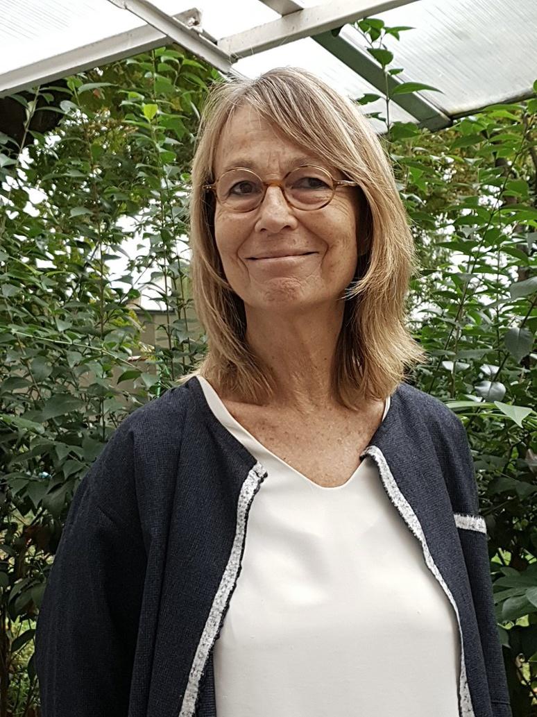 Françoise Nyssen, la nouvelle présidente du Festival d'Avignon prend son poste dans des conditions particulièrement difficiles.