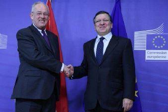 Michel Roger et José Manuel Barroso (c) DR