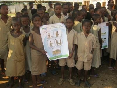 Une affiche de sensibilisation utilisée au profit des écoliers par les enseignants. Photo (c) A.T.