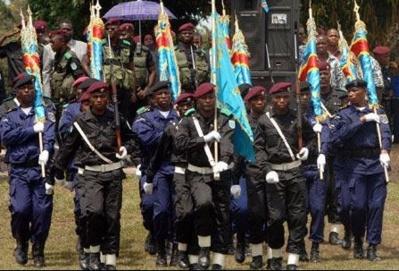 Parade des policiers et FARDC. Photo (c) BS