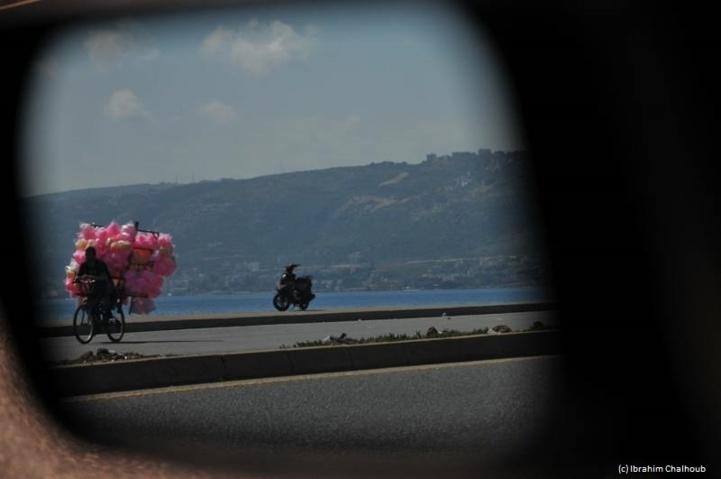Sur sa bicyclette! Photo (C) Ibrahim Chalhoub