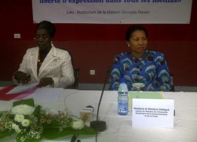 Ida Reteno Assonouet et Françoise Assengone Obame, respectivement ministre de la Justice et ministre déléguée à la Communication. Photo (c) JPND