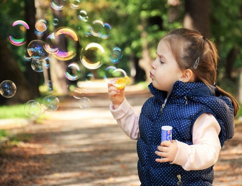 Les enfants sont plein d'énergie, il faut les laisser s'épanouir au-delà de la crise sanitaire (C) Daniela Dimitrova