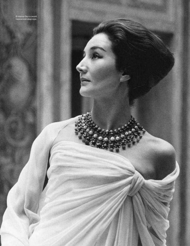 Jacqueline de Ribes en Christian Dior, 1959 - © Courtesy of The Metropolitan Museum of Art, Photograph by Roloff Beny, Roloff Beny Estate
