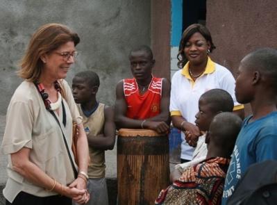 S.A.R. la Princesse de Hanovre en visite au Centre ORPER de Kinshasa (Œuvre de Replacement et de Protection de l'Enfant de la Rue). Photo © AMADE Mondiale