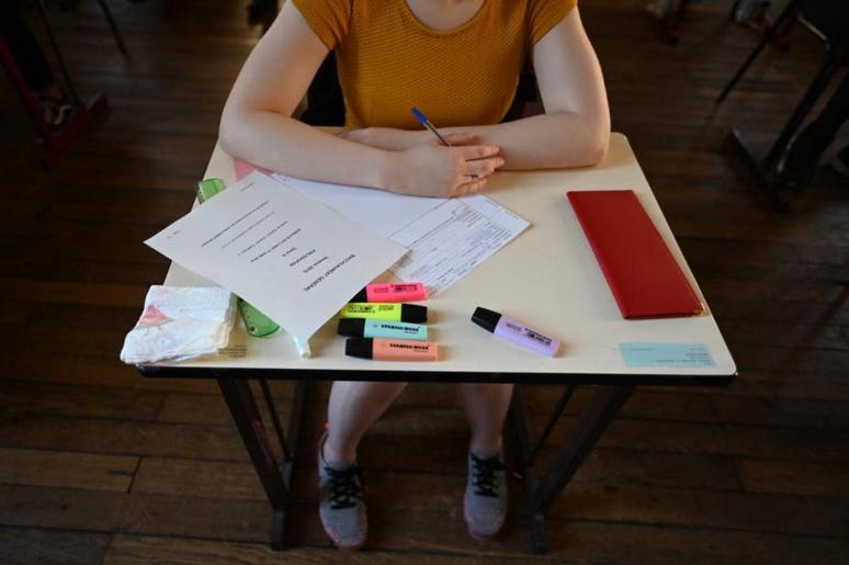 Candidate au bac lors de l'épreuve de philosophie en 2019, au lycée Janson de Sailly à Paris. Dominique Faget/AFP