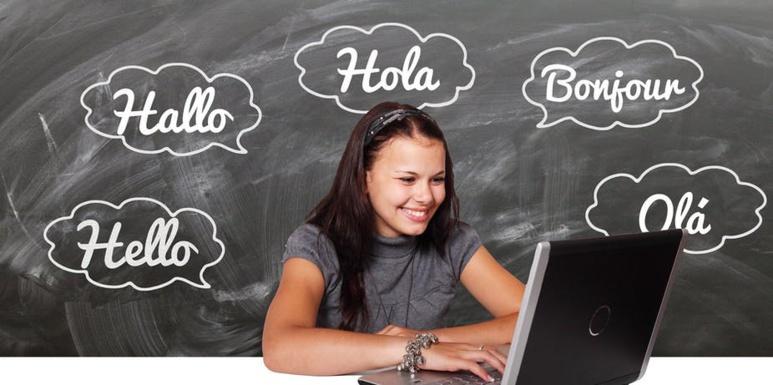Même dans le cadre d'un apprentissage simultané des deux langues, les contextes d'utilisation vont amener l'une des langues à être dominante par rapport à l'autre. Gerd Altmann /Pixabay, CC BY