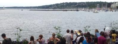 Pendant les Fêtes, la rade de Genève offre des démonstrations de jet ski et de ski nautique. Photo (c) M.D.