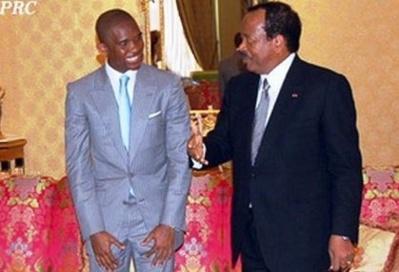 Samuel Eto'o Fils au sortir d'une audience avec Paul Biya au palais de l'Unité. Photo (c) Présidence de la République du Cameroun