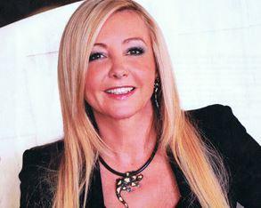 Cliquez ici pour accéder au site officiel de Lady Monika Bacardi