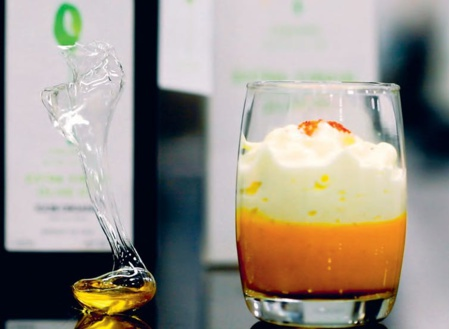 Capuccino de potimarron, mousse d'huile d'olive froide. Lorenzo Taidelli pour Olio Nuovo Days, Author provided (no reuse)