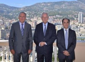 S.E. M. Michel Roger, Ministre d'Etat (au centre), M. Benoît Battistelli, Président de l'Office  Européen des Brevets (à gauche), M. Jean Castellini, Conseiller de Gouvernement pour les Finances et de l'Economie (à droite). © Charly Gallo / CDP