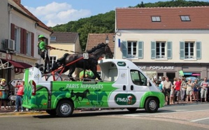 Passage de la caravane du Tour de France 2013. Photo (c) Lionel Allorge
