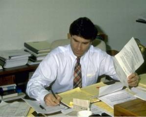 Le journaliste politique est-il vraiment impartial? Photo libre de droits.