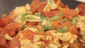RECETTES EN VIDÉO - Sauté œufs-tomates à la chinoise