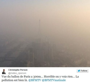 Capture écran du tweet d'un journaliste qui a photographié la tour Eiffel dans le smog ce week-end. (c) Christophe Person
