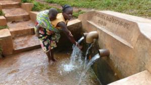 Source d'eau à Burhale. Photo (c) Francine