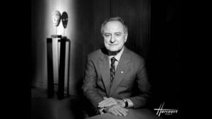 Pierre Bergé photographié par Studio Harcourt Paris, en 1998.