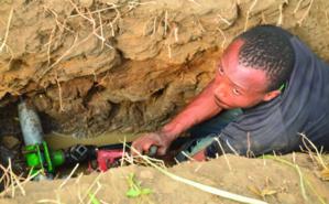 Les artisans-réparateurs des pompes, un maillon important de la chaîne. Photo (c) SBphoto