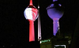 Les tours du Koweït habillées aux couleurs de la France. Photo (c) Bulent Inan.