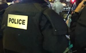 Policiers en patrouille lors d'un rassemblement à Place de la République, Paris. Photo © Lynda O.