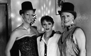 Gatsby, Plassy et Ruby. Ils s'apprêtent à faire le service. Photo courtoisie (c) DR. Cliquez ici pour accéder au site