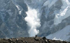 Avalanche dans l'Himalaya. Photo (c) Ilan Adler