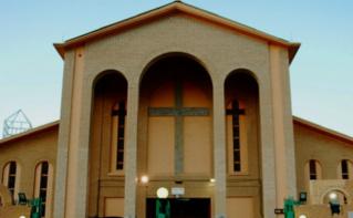 Cathédrale de la Sainte Famille située à Koweït City. Photo (c) Bulent Inan.