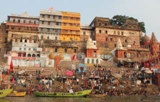 Les bords du Gange à Varanasi (c) Laetitia Fromenteau