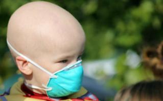 Enfant cancéreux. Image du domaine public.