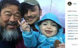 Ai Weiwei au contact des réfugiés. Capture d'écran du compte Instagram de l'artiste @aiww