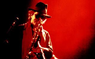 Gato s'est produit toute sa vie dans des clubs de jazz. Image du domaine public.