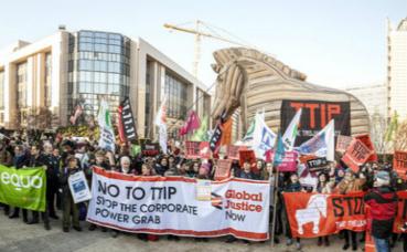 Manifestation anti-TTIP à Bruxelles en février 2015. Photo (c) Friends of the Earth Europe / Lode Saidane