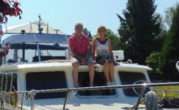 A l'image de ce couple, les touristes néerlandais sont les plus nombreux à faire une halte à Rethel. Photo prise par l'auteur.