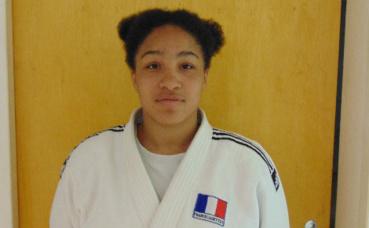 Avec ses 1,70 m pour 95 kg, Emma combat dans la catégorie suprême des plus de 78 kg. Photo prise par l'auteur.