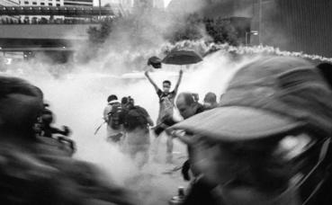 Image illustrant les affrontements de la Révolution des parapluies (c) Pasu Au Yeung
