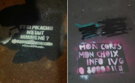 """Le message des """"Survivants"""" (à gauche) et la réplique du collectif féministe (à droite). Photos prises par l'auteur."""