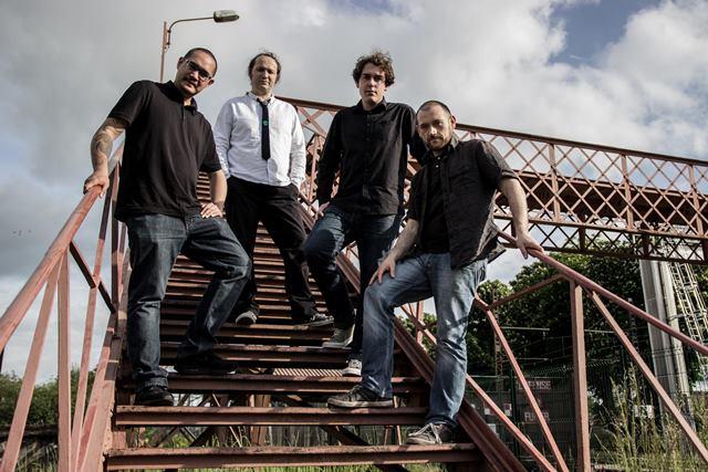 Alien Office (de gauche à droite: Julien, Fabien, Joris, Aurélien). Photo courtoisie (c) Eyen Art.