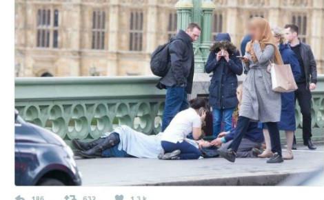 Cette image (ici avec le visage flouté), a été largement diffusée sur les réseaux sociaux. Photo originale (c) Jamie Lorriman.