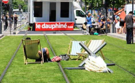 Les grenoblois se réapproprient l'espace public. Photo (c) Anaïs Mariotti