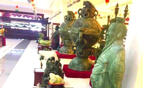 Sculptures en jade. Photo prise par Sarah Barreiros.