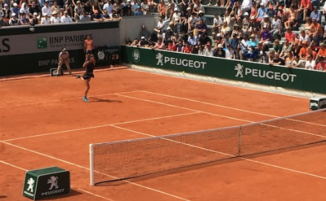 Roland Garros le lundi 28 mai 2018. Victoria Azarenka joue sur le tout nouveau court numéro 18. Photo (c) Gaspard Claude
