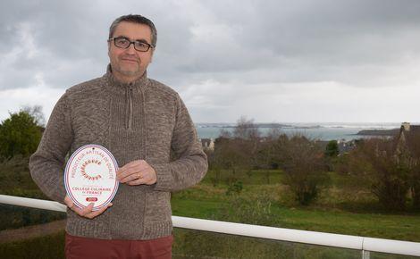 Wilfried Quinveros, à la tête du Fumoir de Saint-Cast a à cœur de valoriser les produits locaux. (c) Cindy Giraud.