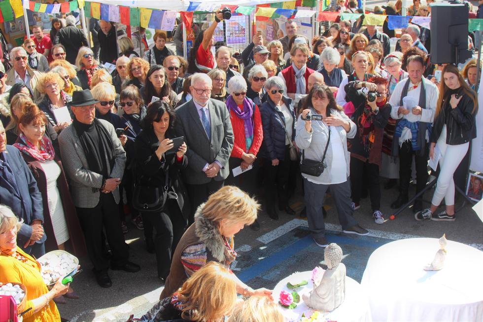 Cérémonie en hommage aux immolés et prisonniers tibétains. Photo (c) Serge Gloumeaud