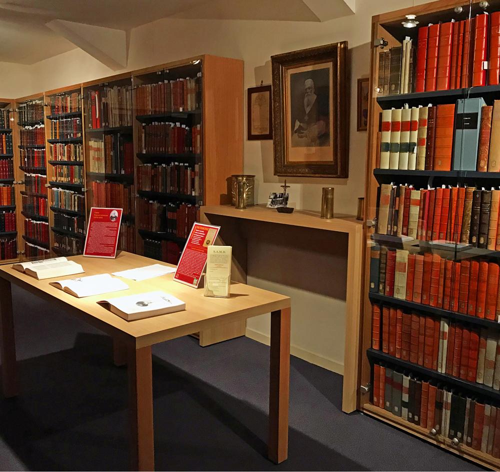 L'espace dédié au 6 000 documents à la Bibliothèque de Dinan. Photo (c) Charlotte Longépé