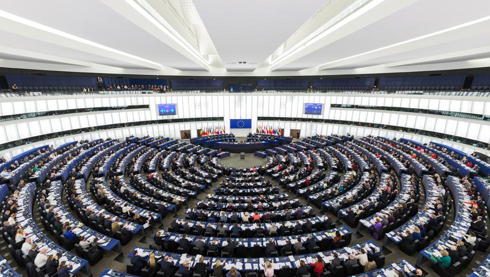 Parlement européen Strasbourg : symbole de l'inégalité hommes-femmes ? (photo (c) David Iliff-Wikipedia)