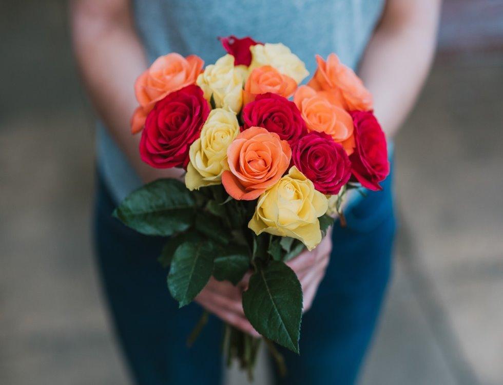 Les fleurs restent le présent le plus offert à l'occasion de la fête des mères image (c) Anete Lusina